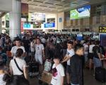 Hành khách vật vã tại 2 sân bay lớn nhất cả nước do chậm chuyến, huỷ chuyến