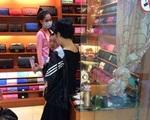 Sao Việt bị tố bán hàng fake giá 'chát' như hàng xịn: Trang Trần phản ứng mạnh nhưng phát ngôn của Ngọc Trinh mới bất ngờ