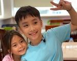 Con trai Thu Trang - Tiến Luật nhắc tên con gái Đoan Trang, lại còn e thẹn cực đáng yêu