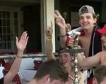 """Sinh viên Mỹ tổ chức """"tiệc Covid"""