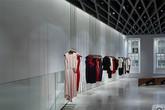 """""""Choáng váng"""" với hình ảnh cửa hàng thời trang của Vic"""