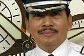 Con trai cơ trưởng máy bay AirAsia vẫn nghĩ cha đang làm việc