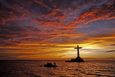 Thót tim đến thăm nghĩa trang bị nhấn chìm dưới đáy biển