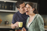 """6 chiêu khiến các ông chồng luôn """"nghiện"""" vợ"""