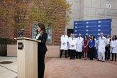 Y tá Mỹ gốc Việt khỏi Ebola
