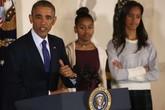 Hai con gái tổng thống Mỹ Obama bị phê bình