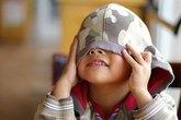"""Trẻ mầm non """"tự sướng"""" khiến bố mẹ phát hoảng"""