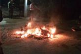 Kinh hoàng xe máy phát nổ khi đang chạy, 1 người bị bỏng nặng