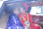 Lam Trường trao Yến Phương nụ hôn ngọt ngào trong ngày cưới