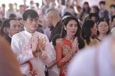Công Vinh - Thủy Tiên làm lễ cưới trang trọng tại chùa