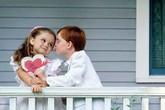 Những tình huống trớ trêu của phụ huynh khi có con 10x yêu sớm