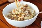 Thưởng thức bánh mì và bún bò đúng điệu Sài Gòn giữa Hà Nội