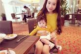 Con gái Elly Trần mắt tròn xoe ngộ nghĩnh đi ăn với mẹ