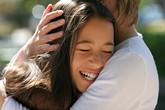 32 thời điểm mẹ trở thành bạn thân nhất của con