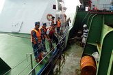Hình ảnh đầu tiên về con tàu Việt Nam bị cướp biển tấn công