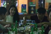 Công Vinh - Thủy Tiên ăn đêm cùng nhóm bạn ngay sau tiệc cưới