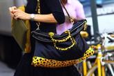 6 bí quyết dùng túi vừa thời trang vừa tốt cho sức khỏe