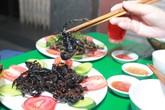 Sinh viên mở quán nhậu côn trùng vỉa hè giá rẻ ở Hà Nội