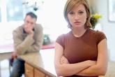 Bị chồng xem thường vì phụ thuộc kinh tế