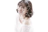 Văn Mai Hương khoe thân hình sexy trong tuyết