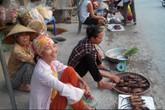 Về Tân Phong cùng đi chợ Chuột