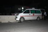 Xe cứu thương gây tai nạn, 7 người thoát chết