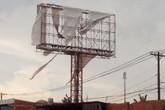 Te tua quảng cáo khiến đô thị xấu mặt