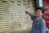 """Giang hồ Sài Gòn viết 2 chữ """"nợ máu"""" lên cửa nhà dân"""