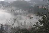 """Hình ảnh sương muối, mây mù """"tấn công"""" Sa Pa, Mẫu Sơn"""