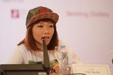 """Hà Trần """"gầy đét"""" đến muộn cuộc họp báo Monsoon Music Festival"""