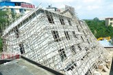 Hãi hùng nhà 6 tầng đang xây bất ngờ đổ sập