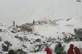 Gia đình tuyệt vọng chờ tin tức người thân ở Everest