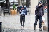 Sau nắng nóng kỷ lục, mưa đá xuất hiện kinh hoàng ở Anh