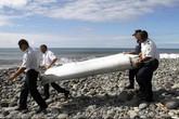 Phát hiện dấu vết quan trọng trên mảnh vỡ máy bay nghi là của MH370