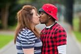 Bà mẹ 38 tuổi tâm sự về cuộc hôn nhân với người chồng 19 tuổi