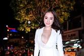 Angela Phương Trinh mặc vest hở rộng khoe trọn vòng 1 gợi cảm