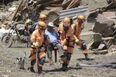 Kỳ diệu em bé 11 tháng tuổi được cứu sống sau trận lở đất