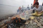 1 tuần sau thảm họa chìm tàu: Không khí tang tóc bao trùm sông Dương Tử