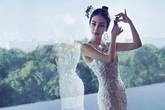 'Bông hồng lai' Angelababy mặc áo cưới trước giờ lên xe hoa
