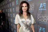 "Angelina Jolie đọ sắc Jennifer Aniston tại ""Critics' Choice Movie Awards"""