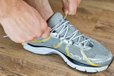 Vì sao nên để chân trần khi tập gym