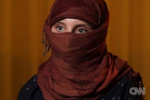 Cuộc sống địa ngục đầy cay đắng của thiếu nữ 16 tuổi làm nô lệ tình dục cho thủ lĩnh IS