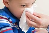 Cần làm gì khi bé bị chảy máu mũi?