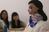 Cô giáo Robot giảng bài khiến học sinh phát sốt