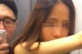 """Sốc với cặp đôi quay cảnh làm """"chuyện ấy"""" trong phòng thay đồ"""
