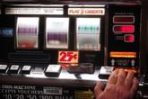 Mang tiền của chùa đi đánh bạc, nhà sư gốc Việt ở Mỹ bị bắt
