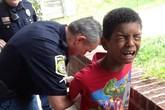 """""""Chiêu độc"""" mẹ nhờ cảnh sát còng tay con trai ngỗ nghịch"""