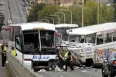 Tai nạn xe buýt nghiêm trọng, hơn 50 người thương vong