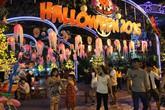 Hàng quán hết chỗ, đồ chơi Halloween đắt hàng ở Sài Gòn