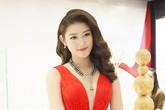 Á hậu  Huyền My đeo trang sức 2 tỷ dự sự kiện